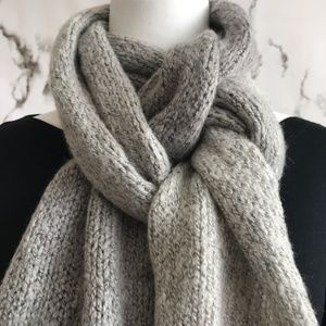 **Universal Thread Gray Color Block Knit Scarf